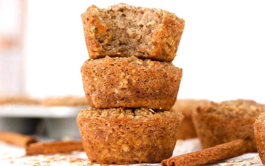 Cinnamon Roll Protein Oatmeal Muffins