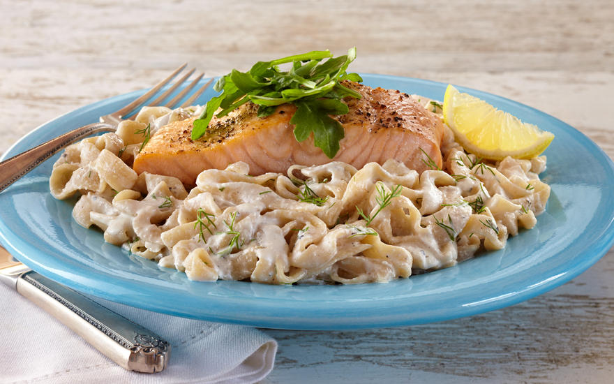 Creamy Salmon and Smart Noodle Pasta